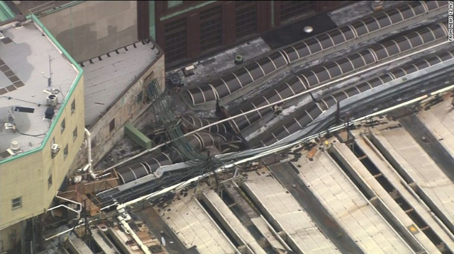 Tàu lao vào nhà ga ở Mỹ: 1 người chết, hơn 100 người bị thương - Ảnh 4.