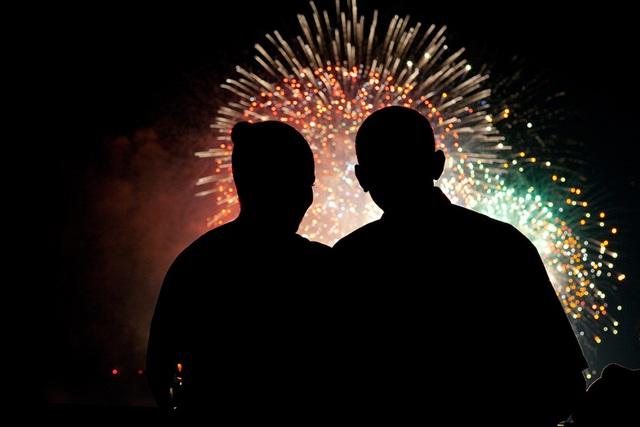 Chuyện tình ngọt ngào của Tổng thống Obama qua ảnh - Ảnh 12.