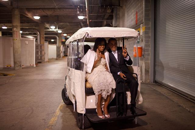 Chuyện tình ngọt ngào của Tổng thống Obama qua ảnh - Ảnh 14.