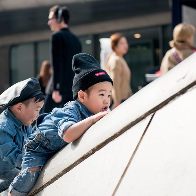 Tuần lễ thời trang Hàn Quốc: Trẻ con chất lừ không thua gì người lớn! - Ảnh 10.