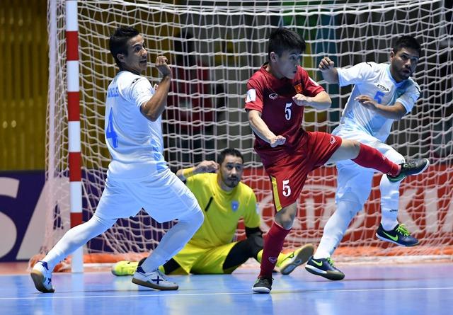 Ảnh: Những khoảnh khắc ấn tượng trong chiến thắng 4-2 của ĐT futsal Việt Nam trước Guatemala - Ảnh 1.