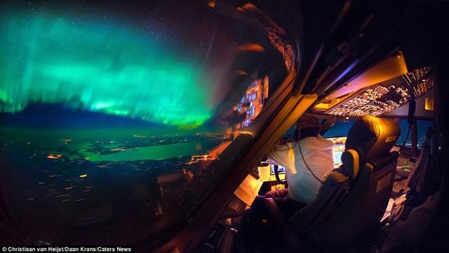 Thiên nhiên đẹp kinh ngạc qua góc nhìn của phi công - Ảnh 2.