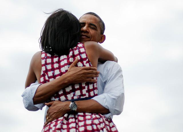 Chuyện tình ngọt ngào của Tổng thống Obama qua ảnh - Ảnh 22.
