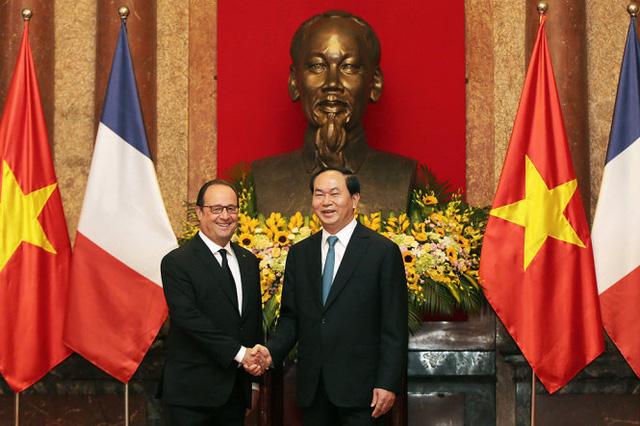 Nhìn lại chuyến thăm Việt Nam của Tổng thống Pháp: Thúc đẩy trụ cột hợp tác kinh tế - Ảnh 1.