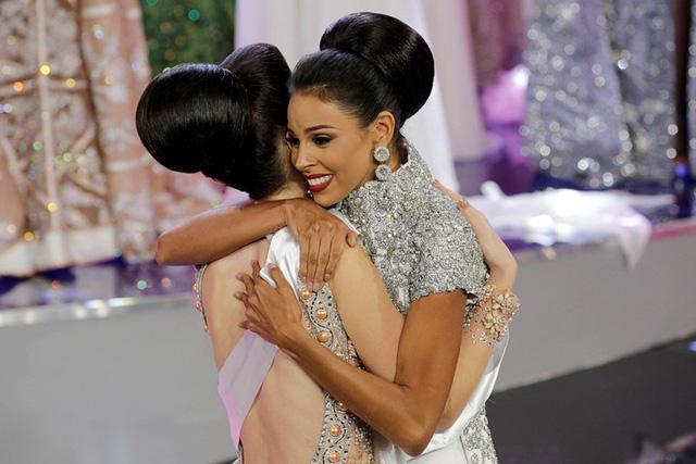 Nhan sắc xinh đẹp của Hoa hậu Hoàn vũ Venezuela 2016 - Ảnh 1.