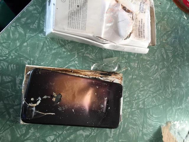 """iPhone 7 Plus chưa """"bóc tem"""" đã phát nổ - Ảnh 3."""