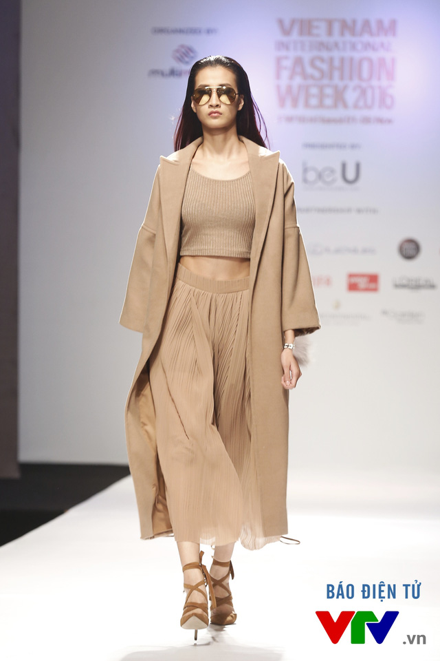 Ngọc Châu mở màn Tuần lễ thời trang quốc tế Việt Nam Thu - Đông 2016 - Ảnh 12.