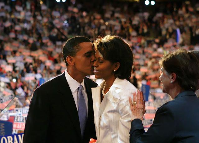 Chuyện tình ngọt ngào của Tổng thống Obama qua ảnh - Ảnh 5.