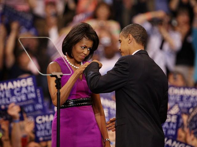 Chuyện tình ngọt ngào của Tổng thống Obama qua ảnh - Ảnh 8.