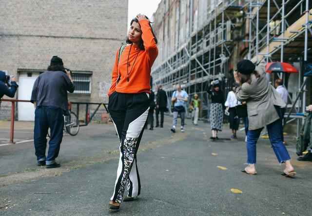 Tăm tia thời trang đường phố London cực chất và cá tính - Ảnh 25.