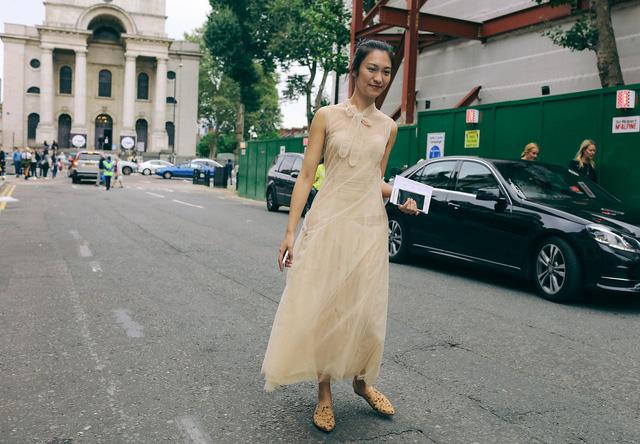 Tăm tia thời trang đường phố London cực chất và cá tính - Ảnh 31.