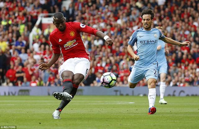 Ảnh: Những khoảnh khắc đáng nhớ trong trận derby Manchester - Ảnh 1.