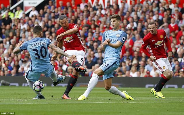 Ảnh: Những khoảnh khắc đáng nhớ trong trận derby Manchester - Ảnh 3.