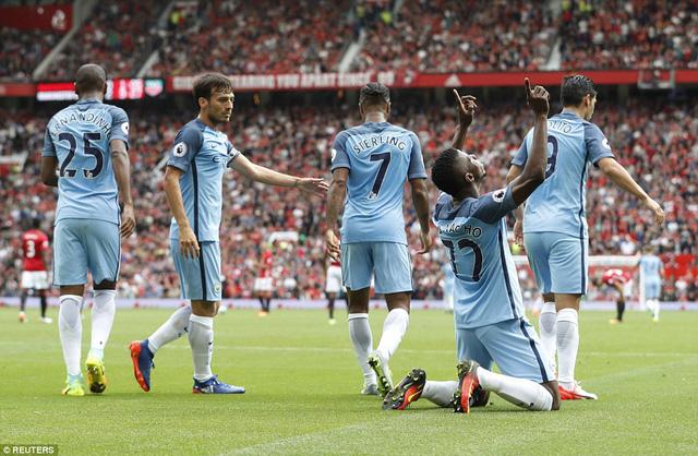 Ảnh: Những khoảnh khắc đáng nhớ trong trận derby Manchester - Ảnh 7.