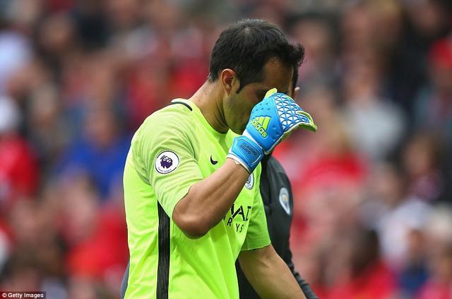 Ảnh: Những khoảnh khắc đáng nhớ trong trận derby Manchester - Ảnh 12.