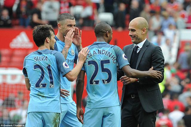 Ảnh: Những khoảnh khắc đáng nhớ trong trận derby Manchester - Ảnh 13.