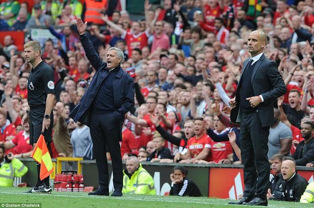 Ảnh: Những khoảnh khắc đáng nhớ trong trận derby Manchester - Ảnh 5.