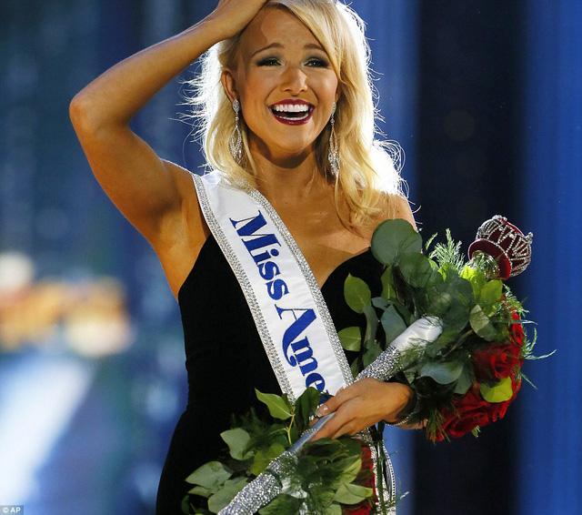 Cận cảnh nhan sắc cô gái 21 tuổi đăng quang Hoa hậu Mỹ - Ảnh 5.