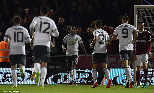 VIDEO, Northampton 1-3 Man Utd: Giải tỏa áp lực - Ảnh 1.