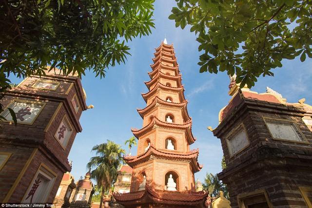 Chùa Trấn Quốc lọt top những ngôi chùa đẹp nhất thế giới - Ảnh 1.