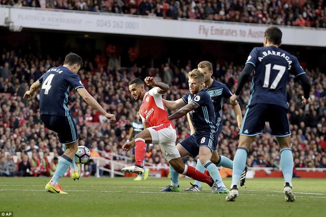Sunderland - Arsenal: Khi viện binh Giroud trở lại (18h30 ngày 29/10) - Ảnh 1.