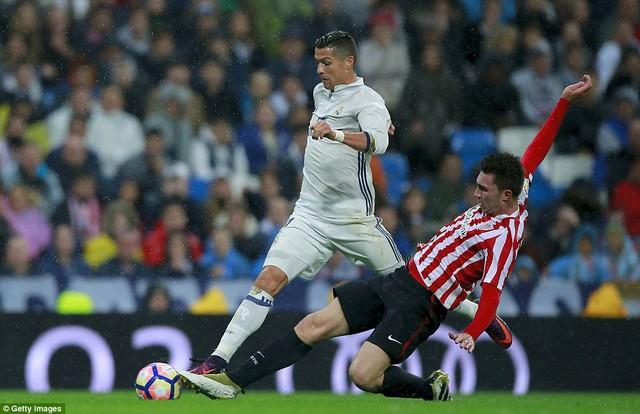VIDEO, Real Madrid 2-1 Athletic Bilbao: Đánh chiếm ngôi đầu - Ảnh 1.