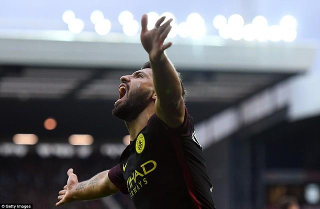 West Brom 0-4 Man City: Giải hạn chiến thắng, giành ngôi đầu - Ảnh 1.