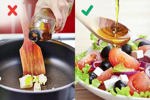 Những sai lầm phổ biến khi nấu nướng có thể làm hỏng món ăn - Ảnh 4.
