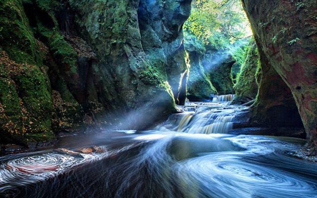 Du lịch Scotland - Bạn sẽ ngỡ như được đi vòng quanh thế giới - Ảnh 5.