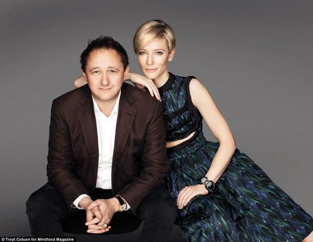 Cate Blanchett mang con rời Australia sau bê bối tình cảm của chồng - Ảnh 1.