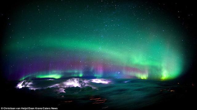 Thiên nhiên đẹp kinh ngạc qua góc nhìn của phi công - Ảnh 6.