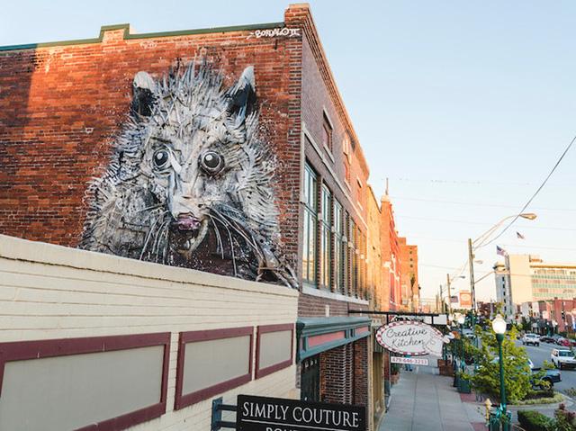 """Ngôi nhà bỏ hoang """"hồi sinh"""" dưới bàn tay của các nghệ sĩ đường phố - Ảnh 7."""