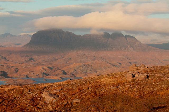 Du lịch Scotland - Bạn sẽ ngỡ như được đi vòng quanh thế giới - Ảnh 6.