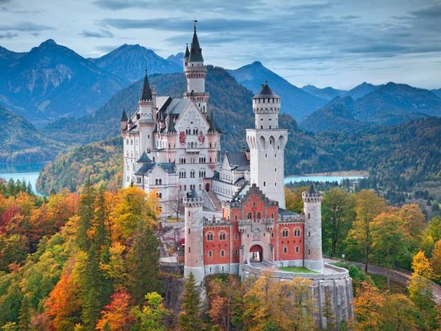 Những lâu đài có kiến trúc đẹp như trong truyện cổ tích - Ảnh 3.