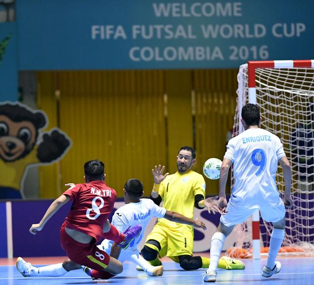 Ảnh: Những khoảnh khắc ấn tượng trong chiến thắng 4-2 của ĐT futsal Việt Nam trước Guatemala - Ảnh 6.