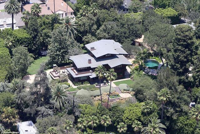 Những căn biệt thự xa hoa của cặp đôi Brad Pitt - Angelina Jolie - Ảnh 7.