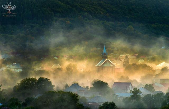 Những khuôn hình đắt giá của mùa thu Romania từ máy ảnh rẻ tiền - Ảnh 7.