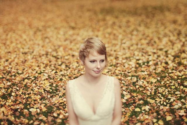 Những bức ảnh cưới tuyệt đẹp mang màu sắc của mùa thu - Ảnh 5.