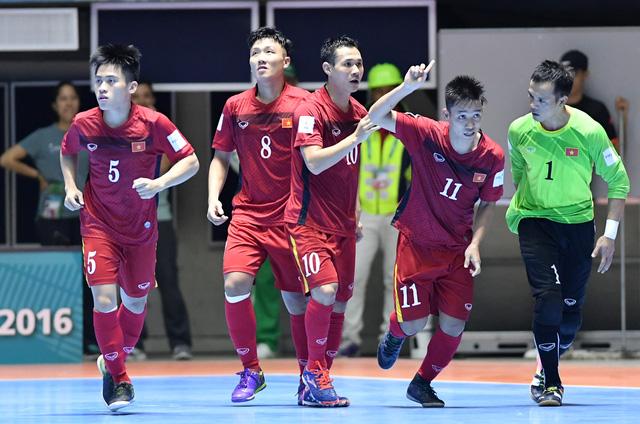 Ảnh: Những khoảnh khắc ấn tượng trong chiến thắng 4-2 của ĐT futsal Việt Nam trước Guatemala - Ảnh 10.