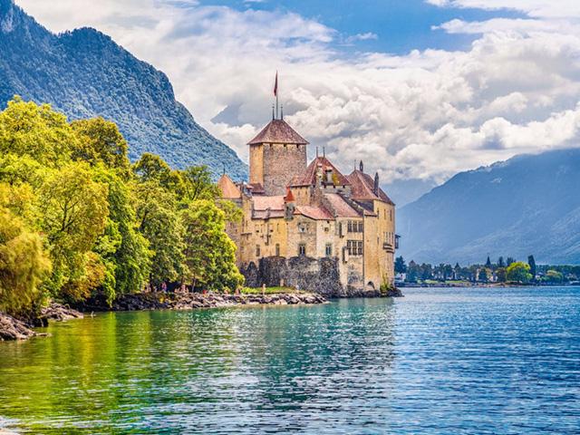 Những lâu đài có kiến trúc đẹp như trong truyện cổ tích - Ảnh 8.