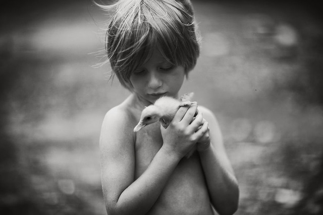 Tuổi thơ mùa hè đầy hoài niệm qua bộ ảnh đẹp mê hoặc - Ảnh 10.