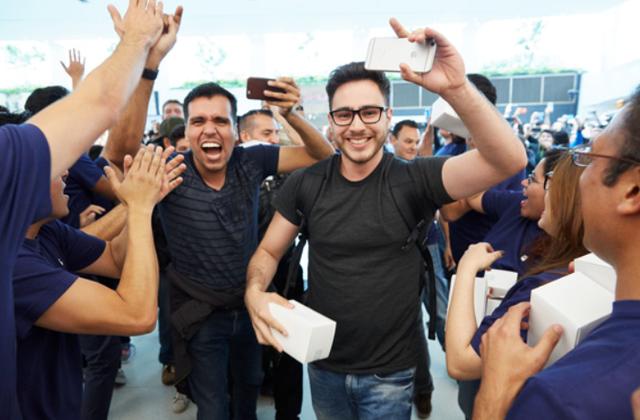 Khai trương cửa hàng Apple Store đầu tiên tại Mexico - Ảnh 2.