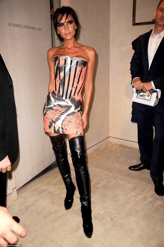 """Những """"thảm họa thời trang"""" trong quá khứ của Victoria Beckham - Ảnh 10."""