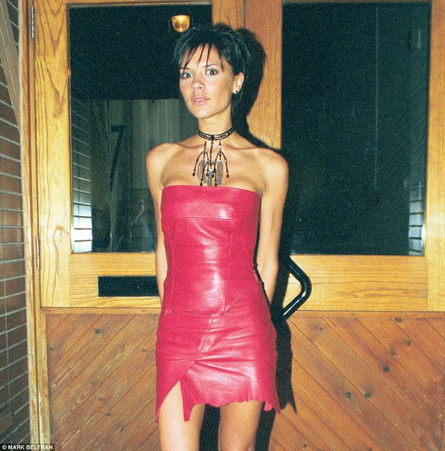 """Những """"thảm họa thời trang"""" trong quá khứ của Victoria Beckham - Ảnh 2."""