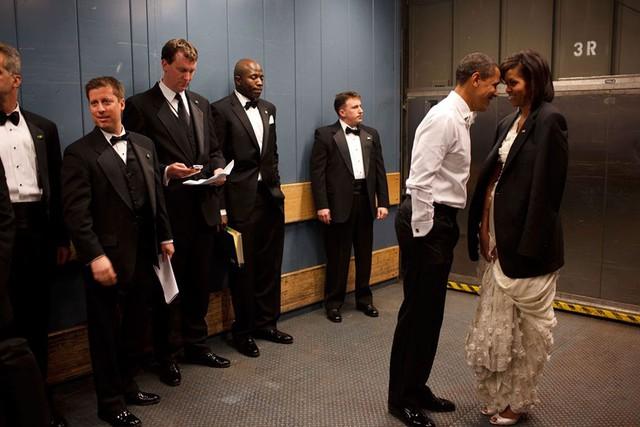 Chuyện tình ngọt ngào của Tổng thống Obama qua ảnh - Ảnh 11.
