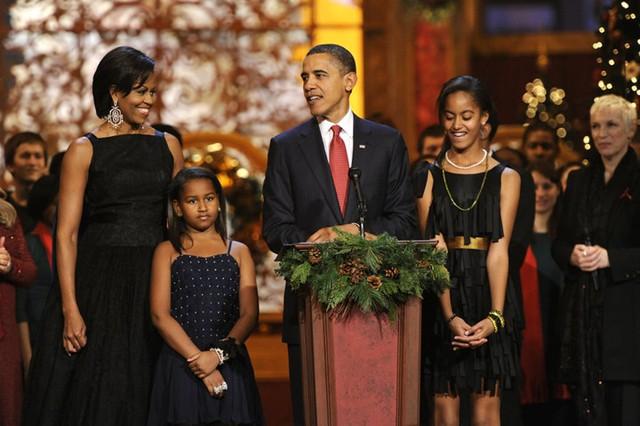 Gia đình Tổng thống Obama thay đổi thế nào trong 8 năm qua? - Ảnh 3.