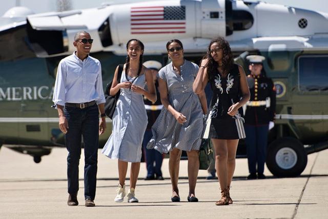 Gia đình Tổng thống Obama thay đổi thế nào trong 8 năm qua? - Ảnh 9.