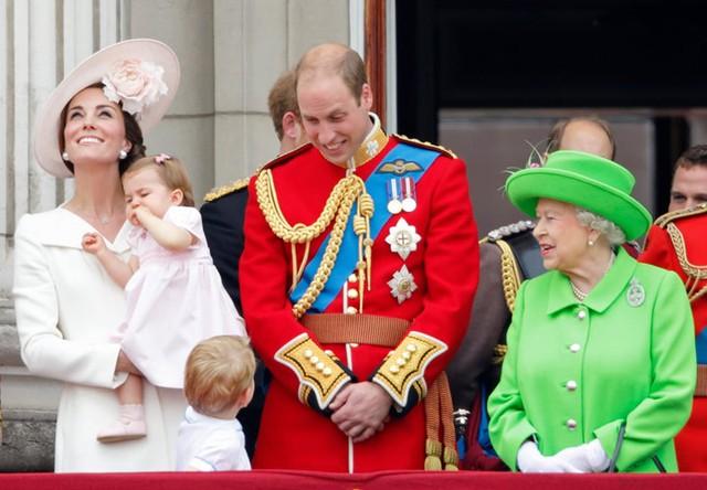 Những khoảnh khắc tuyệt vời của cha con hoàng tử William - Ảnh 9.