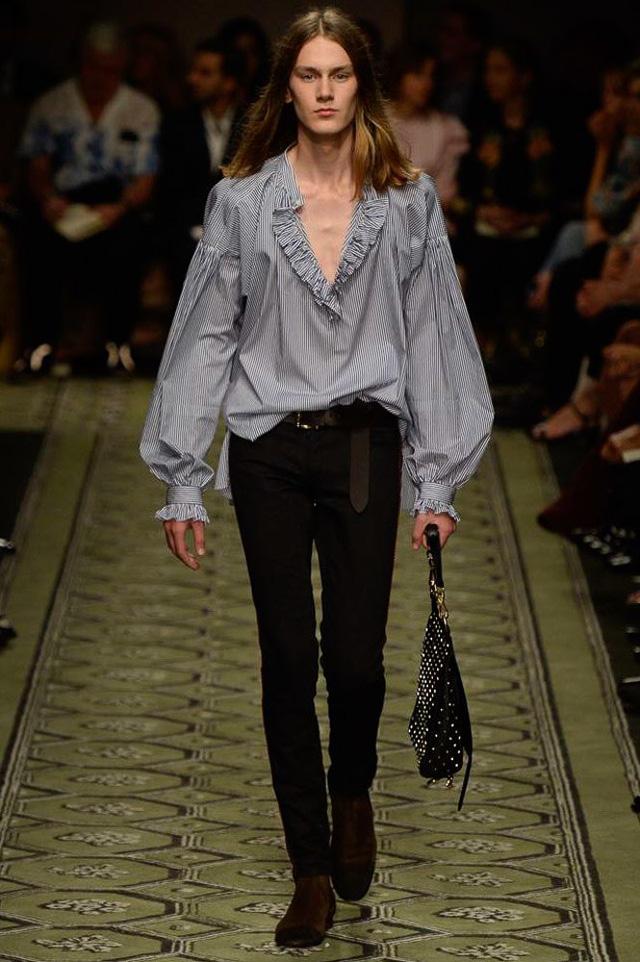 Du hành thời gian cùng show thời trang mới của Burberry - Ảnh 8.