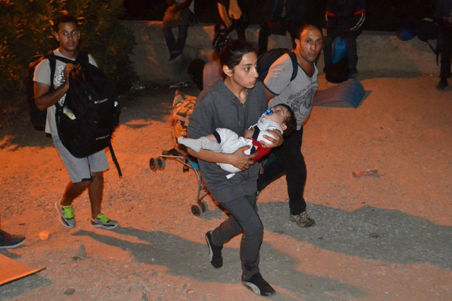 Hy Lạp: Trại tị nạn bùng cháy, 4.000 người phải sơ tán - Ảnh 1.
